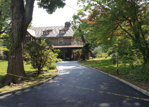 picture of a new asphalt driveway