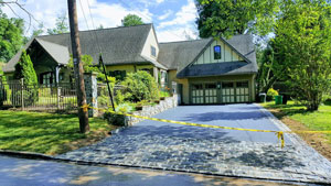 picture of a new driveway with cobblestone apron in Media, PA
