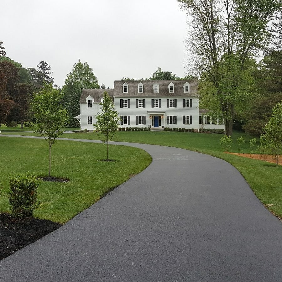 picture of residential driveway in Radnor, PA